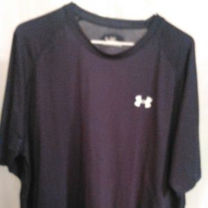Under Armour Athletic Style Tee Shirt (XL)
